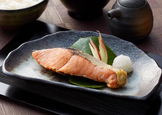 【秋の味覚】北海道産 塩秋鮭切身を10人に
