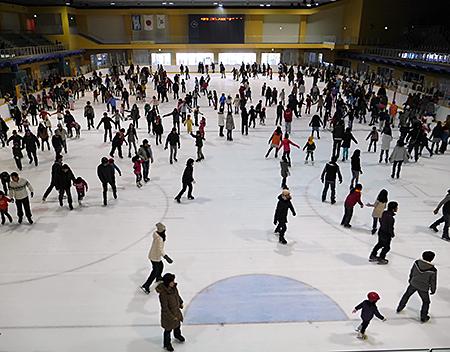 「尼崎スポーツの森 アイススケートリンク」(兵庫)利用券を50組100人に
